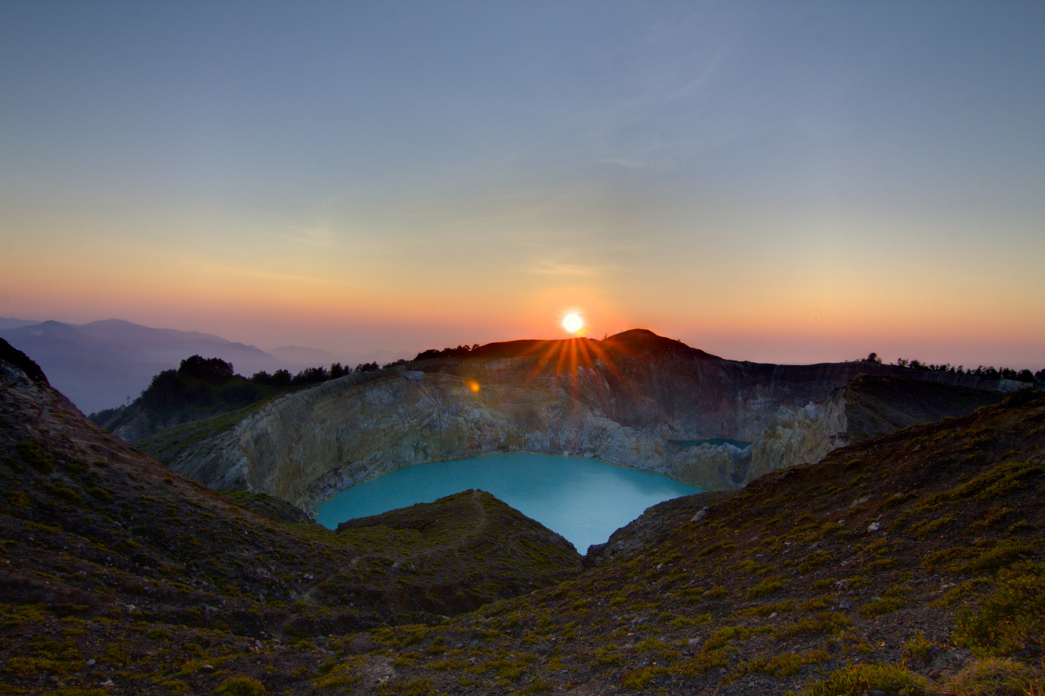 the magical of kelimutu lakes