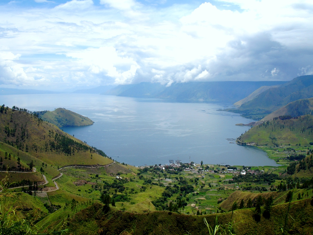 toba lake is one of tourist destinations in sumatra