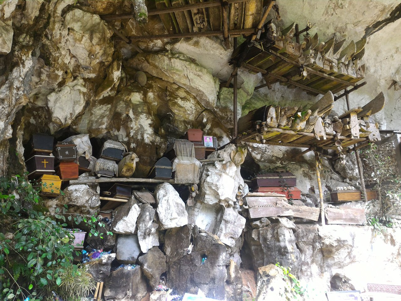 Londa is a cave that serves as a burial ground