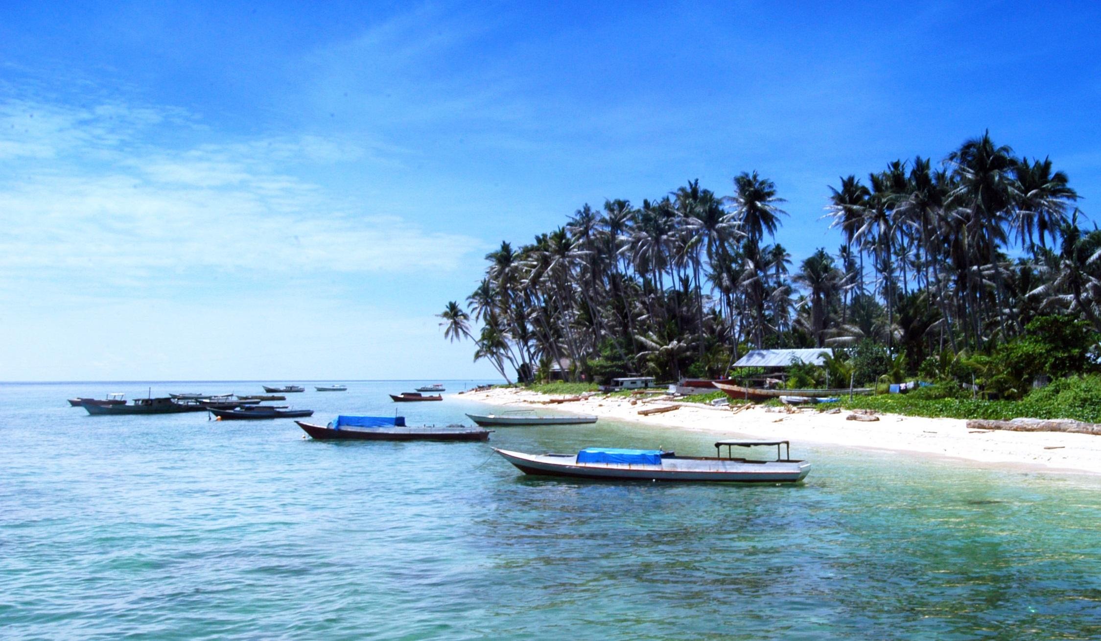 derawan marine park in east kalimantan