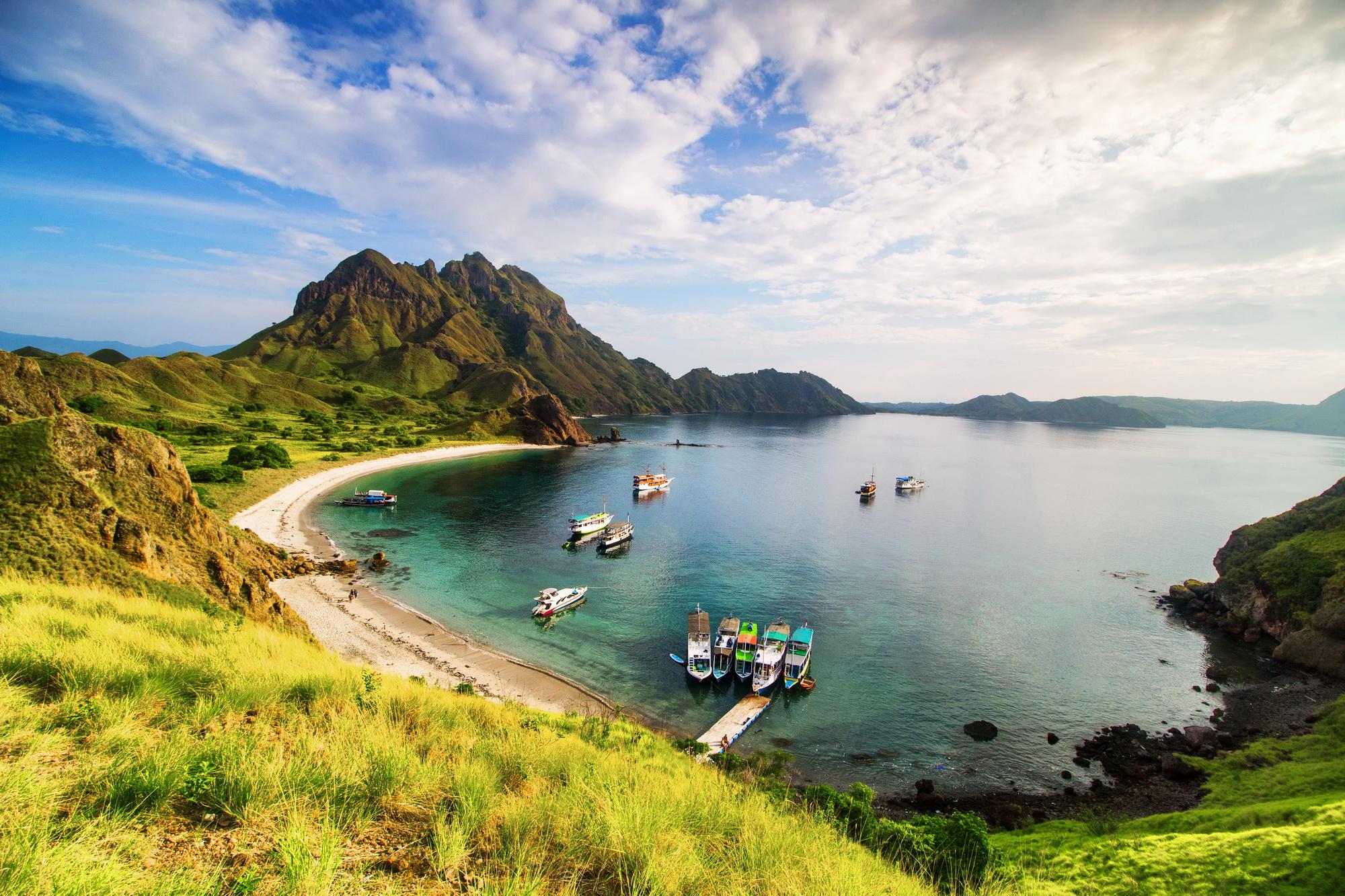 lintah strait in padar island