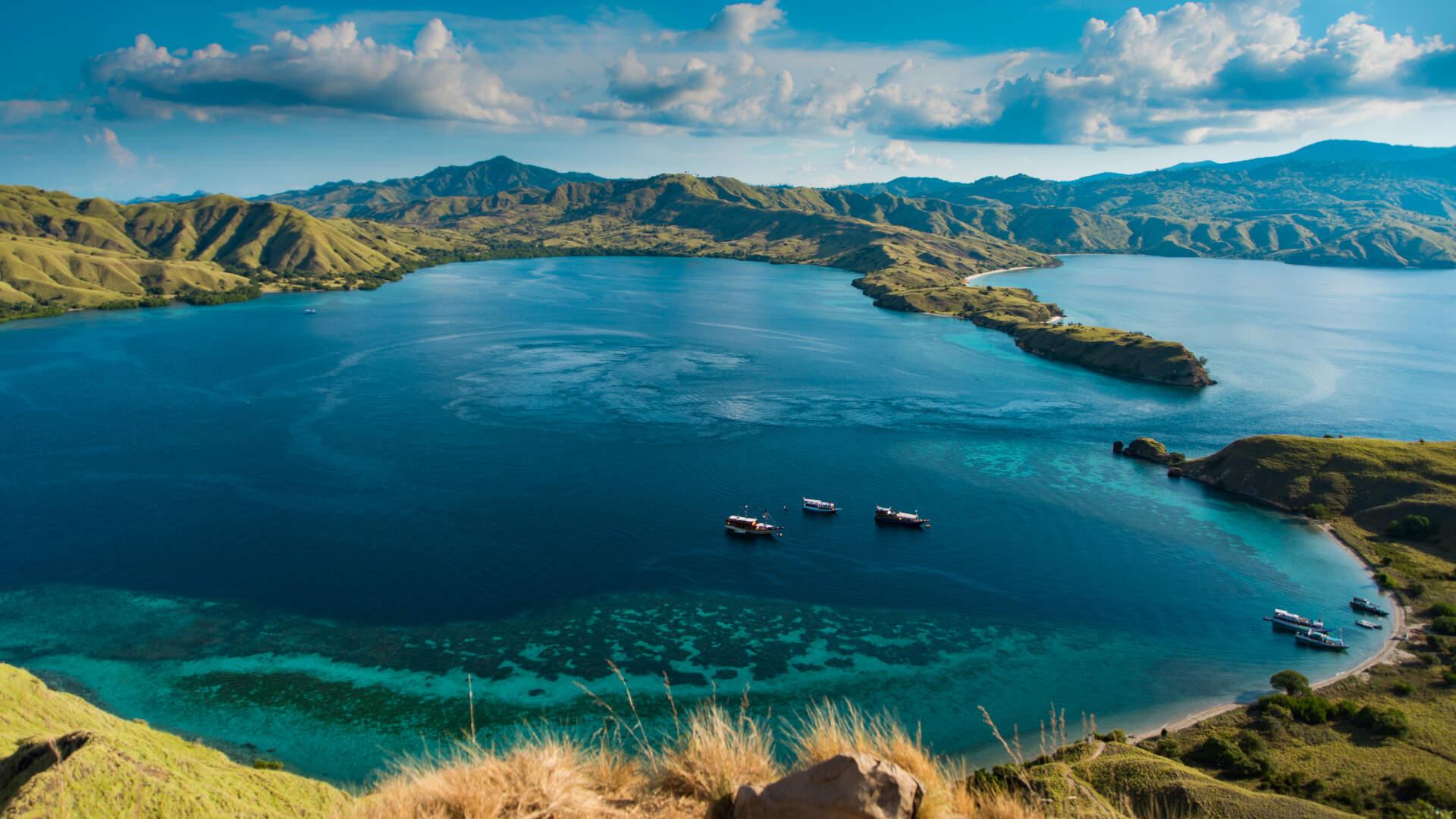 padar island is belong to unesco world heritage site