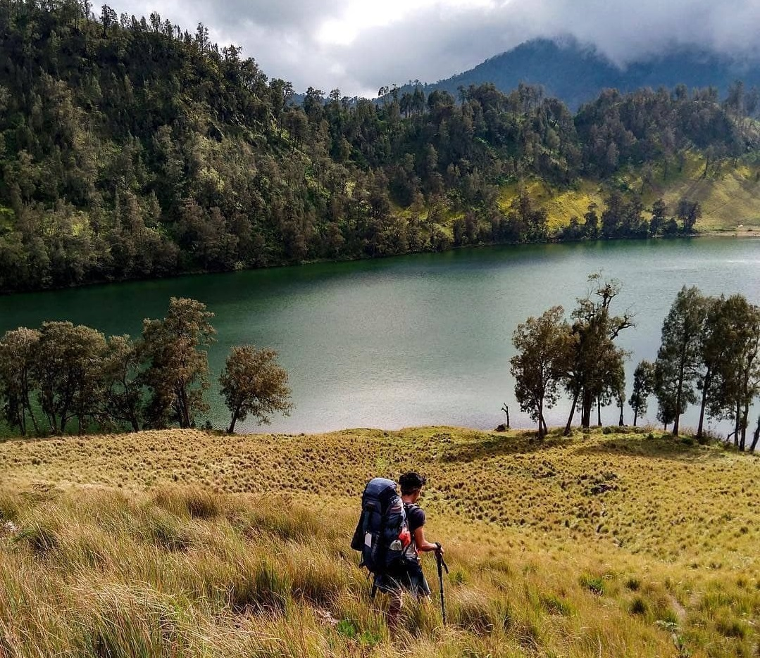 ranu kumbolo lake for nature lovers