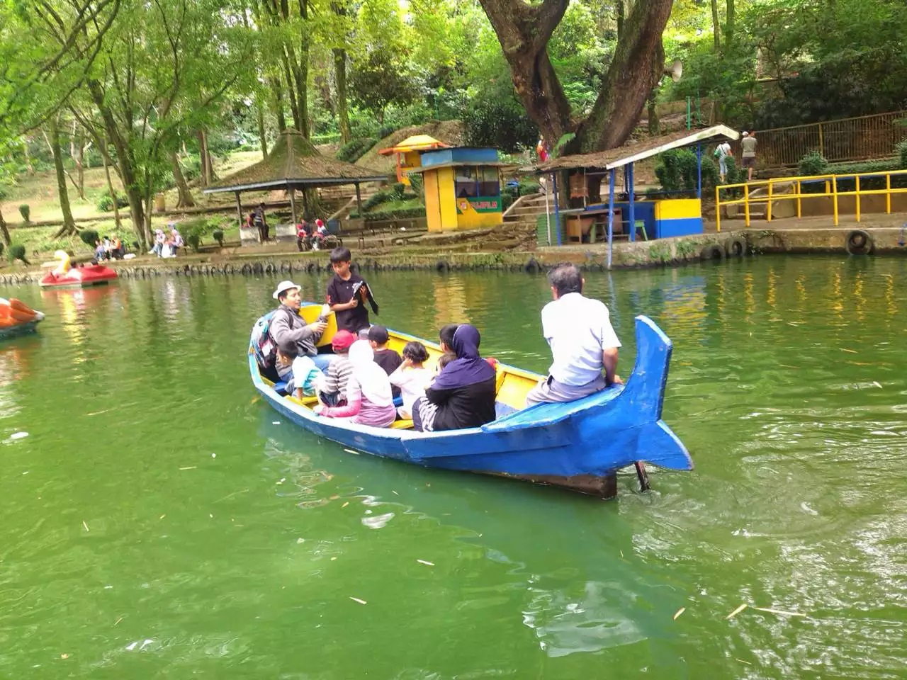 artificial lake in bandung zoo for recreation
