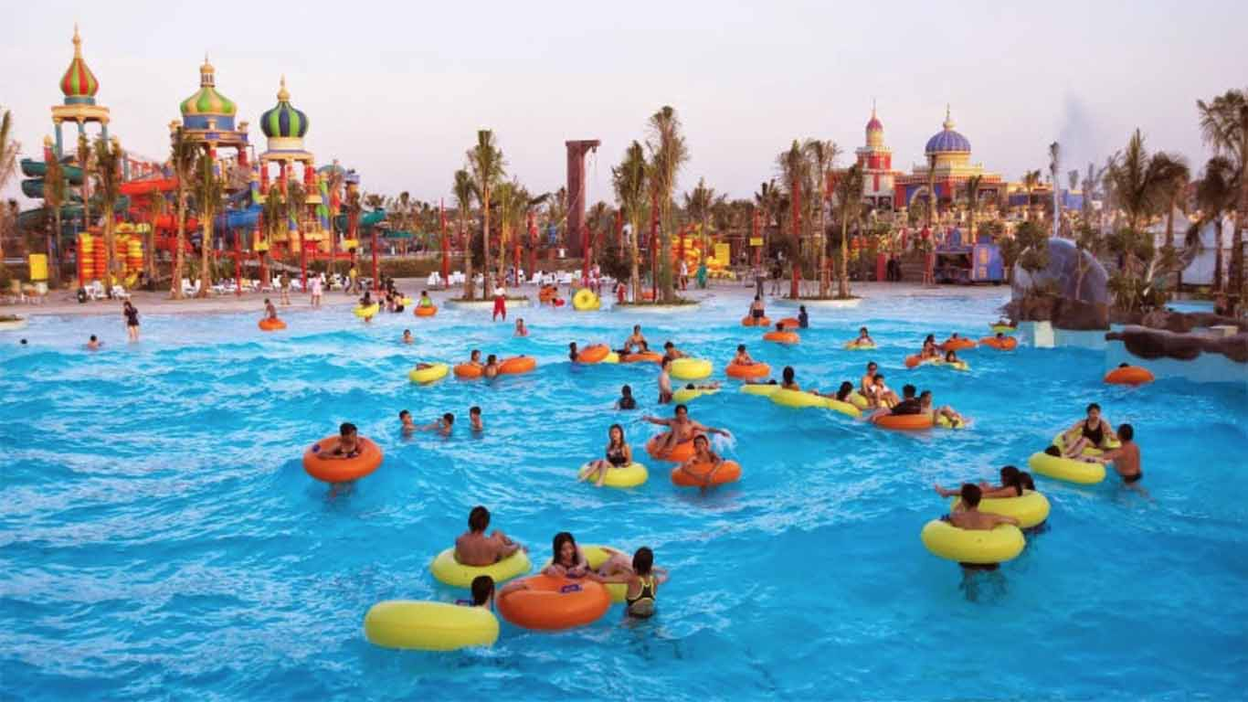 ciputra waterpark is the largest theme park in Southeast Asia
