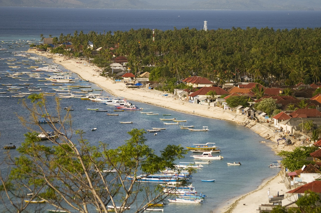 jungutbatu beach in nusa lembongan