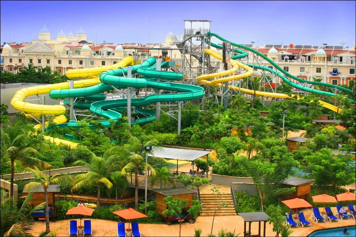waterbom pik theme park in jakarta