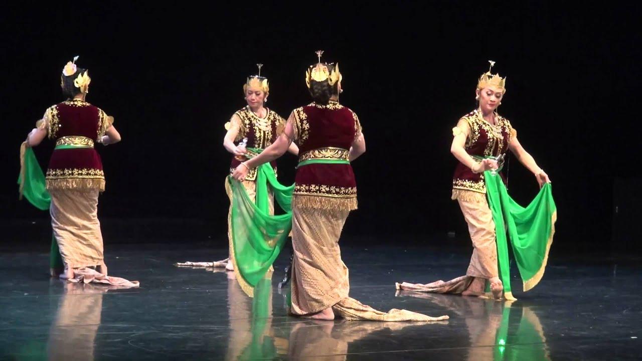 Serimpi Dance is a classical dance of Yogyakarta Palace