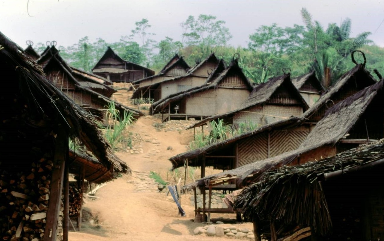 traditional culture of baduy village that reject technology