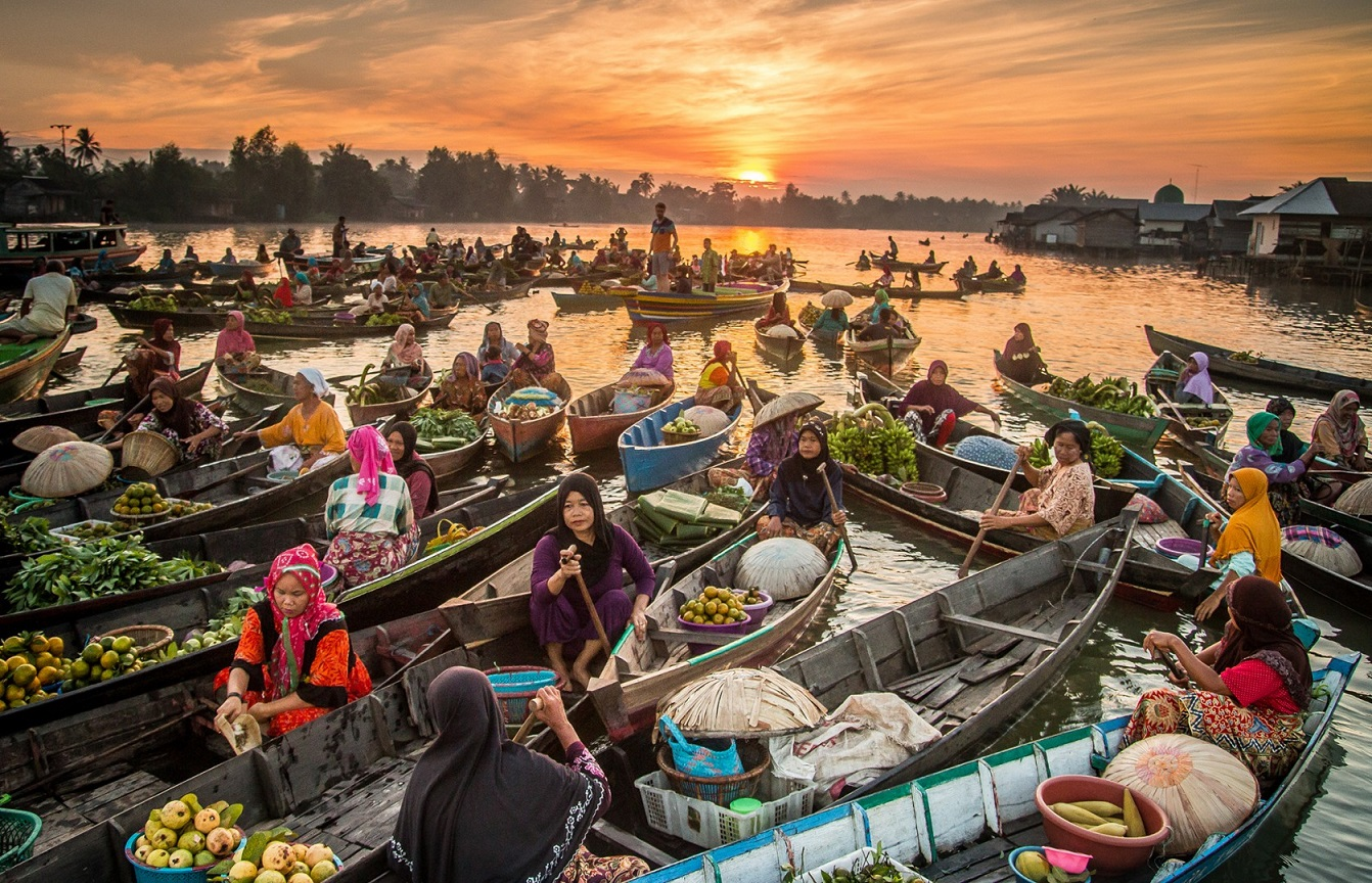 Lok Baintan Floating Market in Borneo