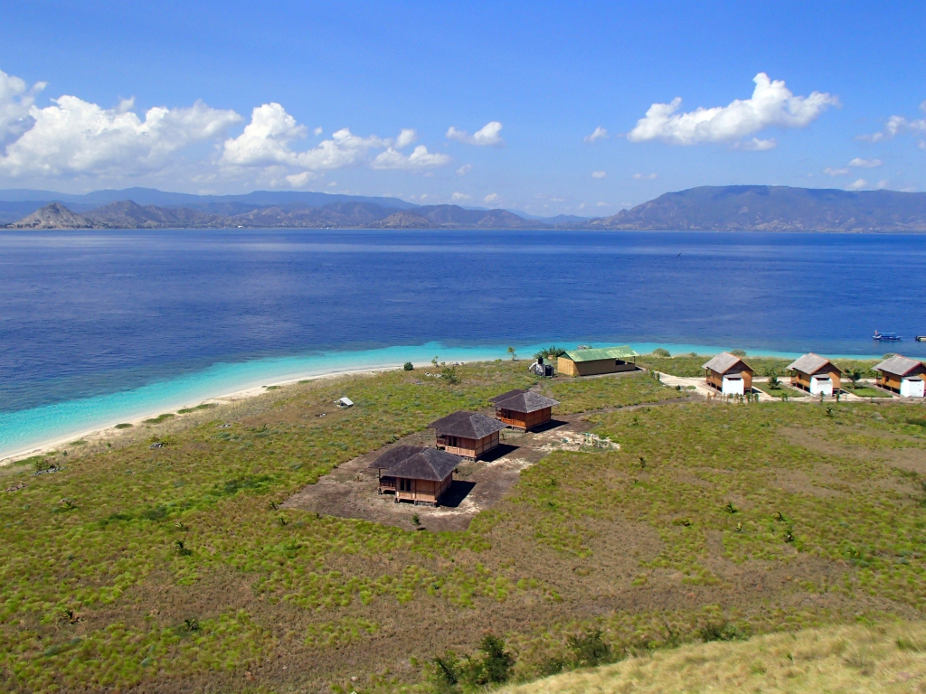 enjoy the beauty of Paserang Island by trekking