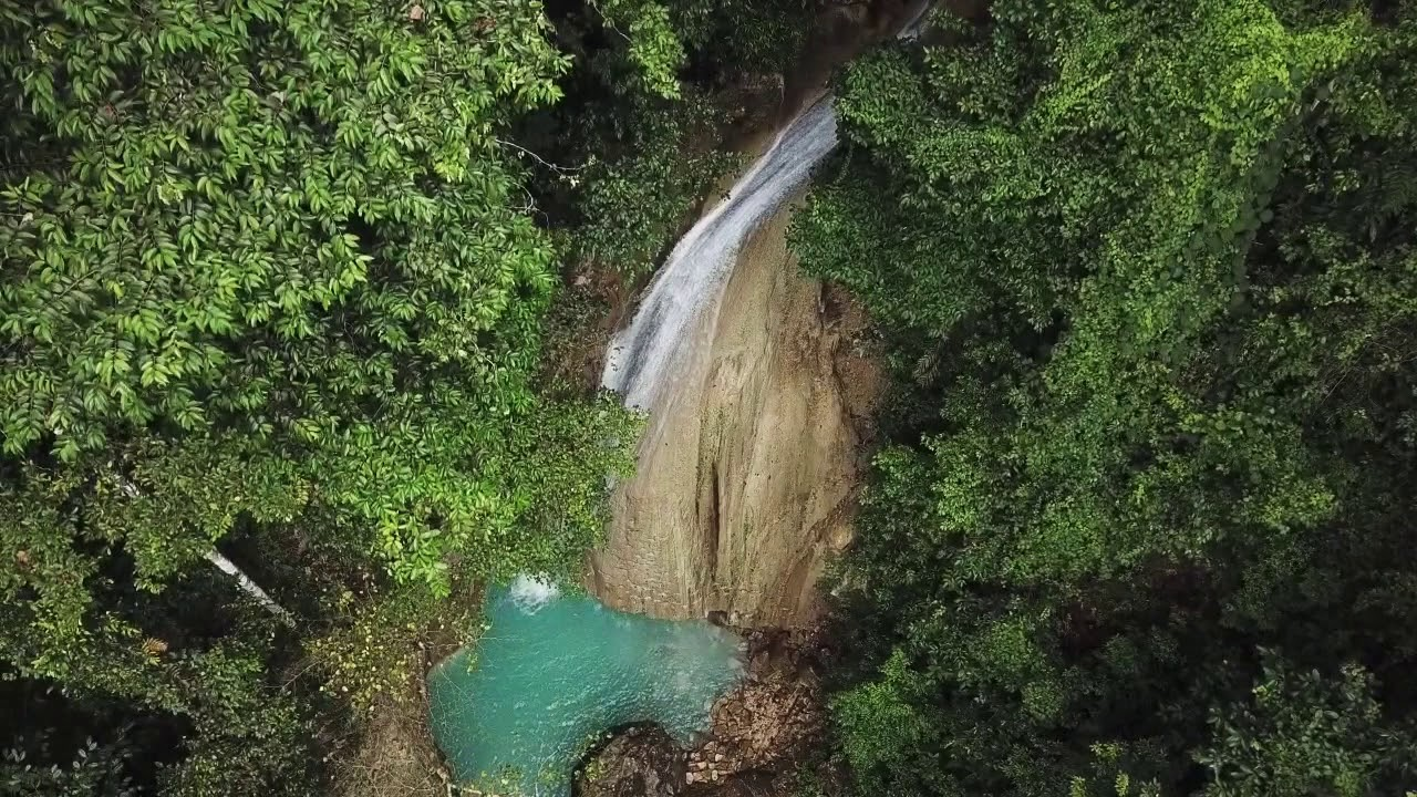 hoko waterfall in kei islands