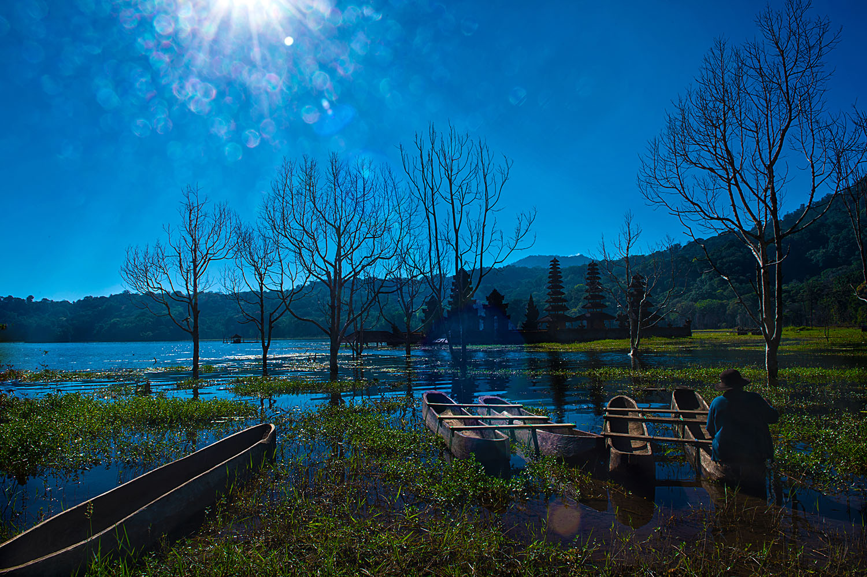 tamblingan lake campsites in bali