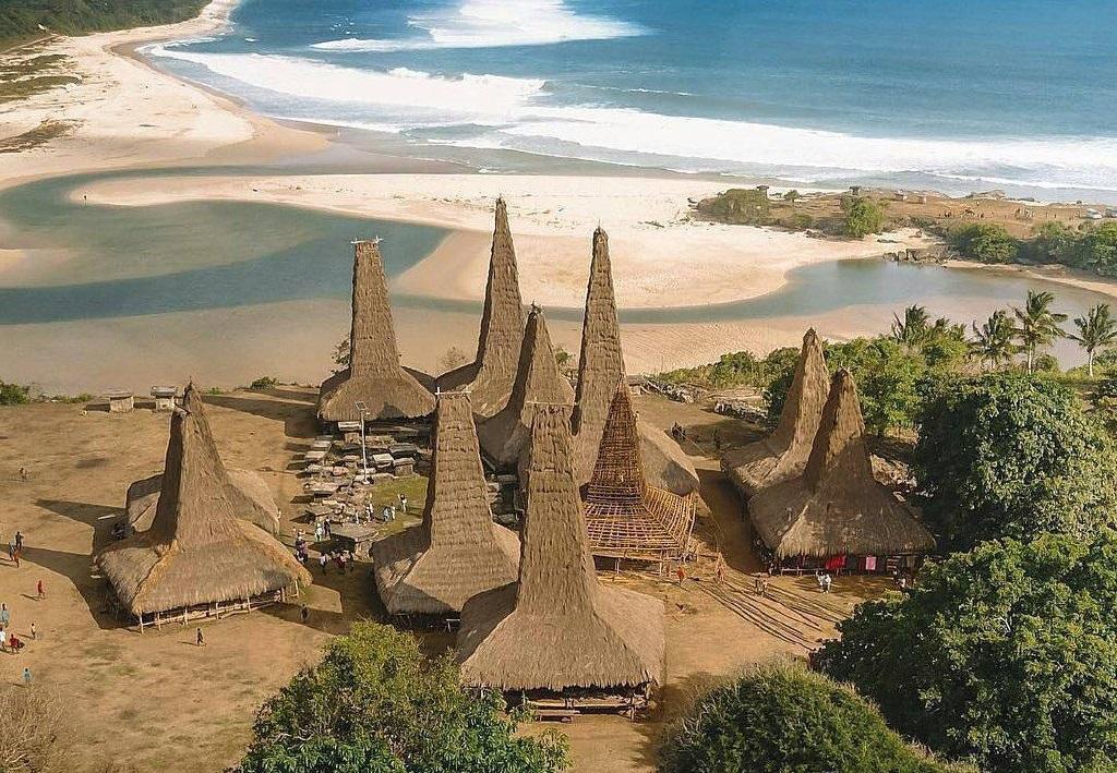 Ratenggaro village seem hideous