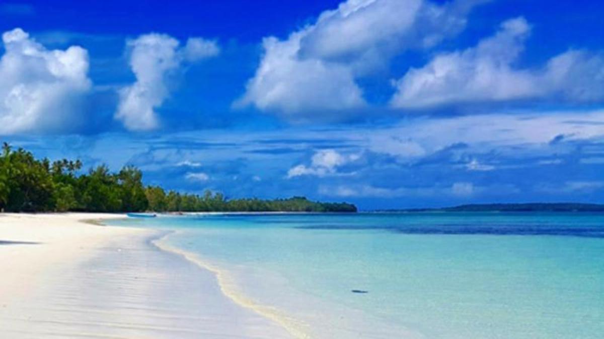 Visit Ngur Sarnadan Beach in Ohoi Lilir Village