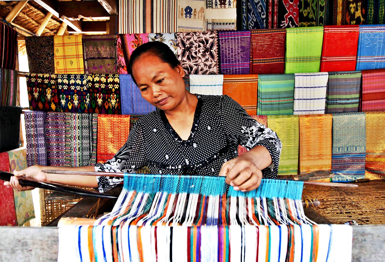 The Uniqueness of Typical Weaving of Sukarara Village Lombok