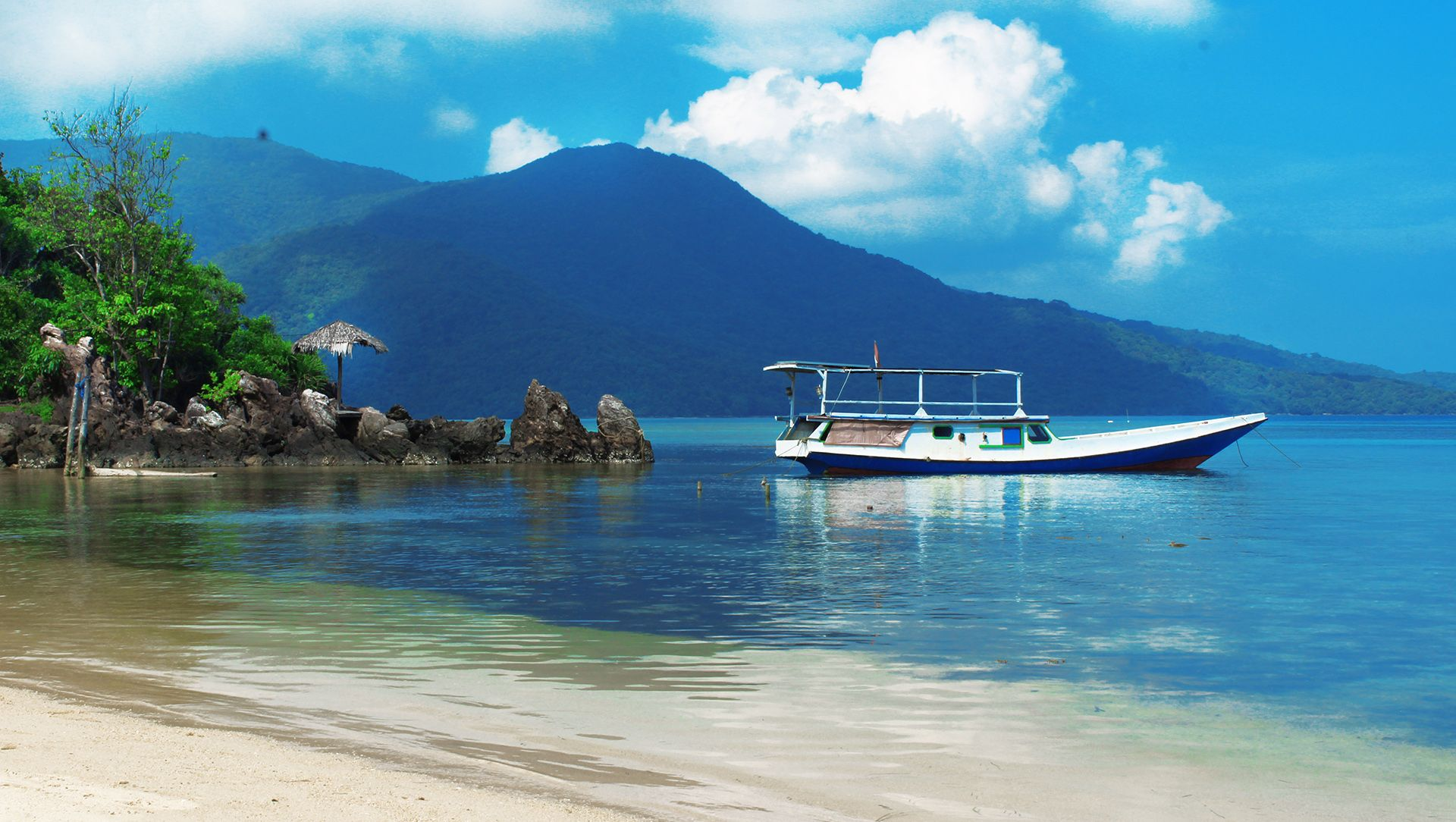Karimun Jawa presents a beautiful natural view of the coast and also a dazzling underwater panorama