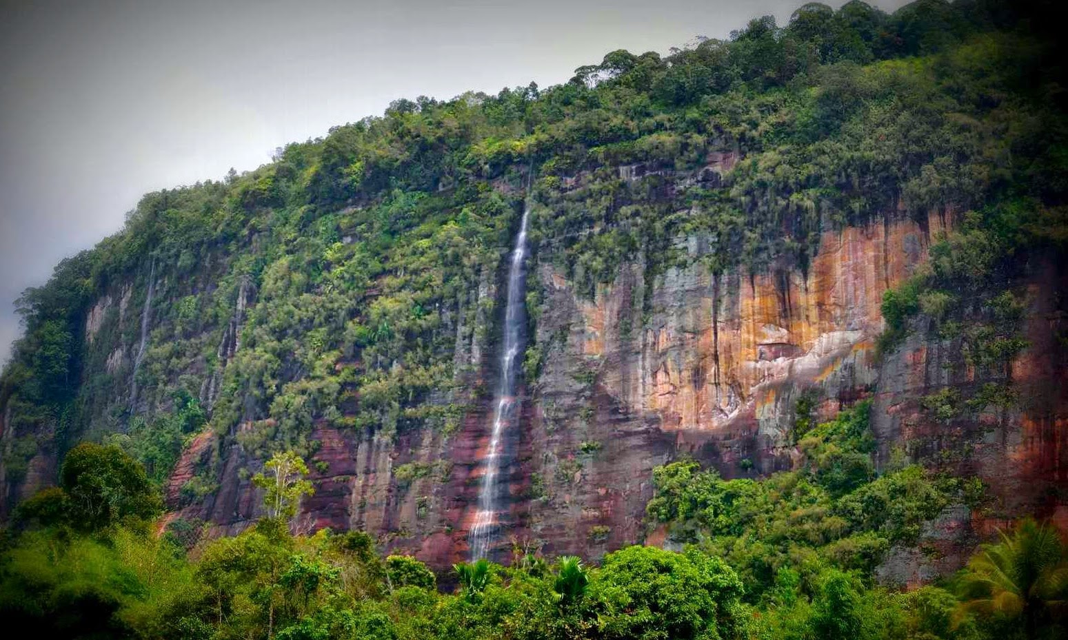 Sarasah Bunta Waterfall in harau cliff